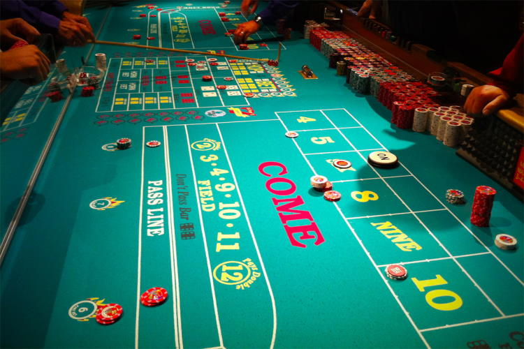 Craps, how to play the game by executing rules and start winning